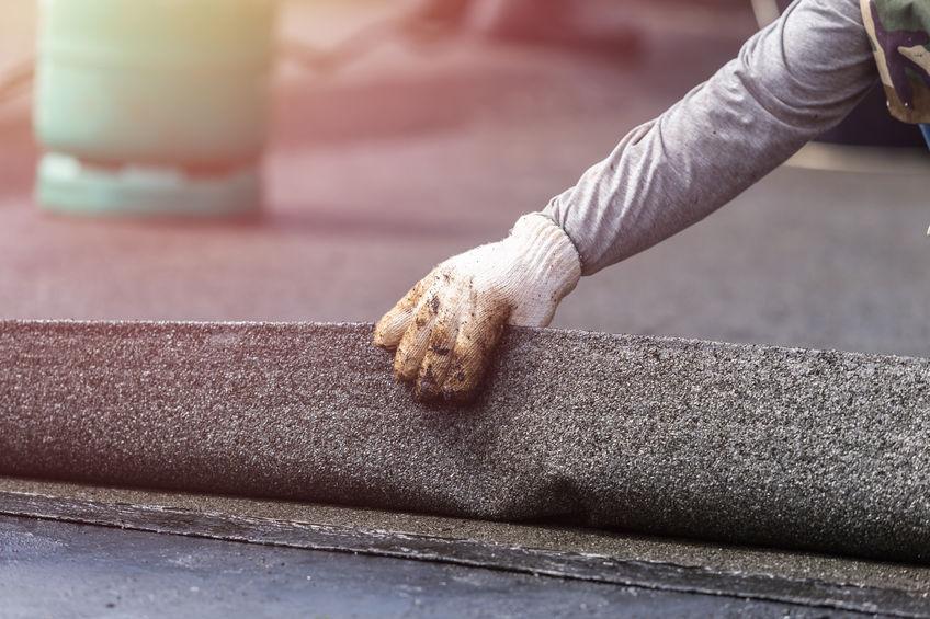 Bitumenes lemezekkel végzett tetőszigetelés.